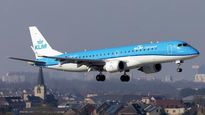 A picture of PHEZY - Embraer E190STD - KLM - © Kris Van Craenenbroeck