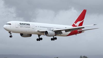 VH-ZXB - Boeing 767-336(ER) - Qantas