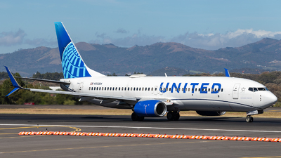 A picture of N33264 - Boeing 737824 - United Airlines - © Josué Saavedra