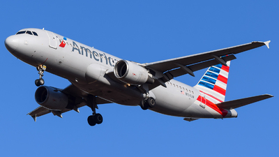 A picture of N104UW - Airbus A320214 - American Airlines - © Evan Dougherty
