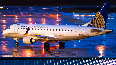 A picture of N862RW - Embraer E170SE - United Airlines - © Ksavspotter