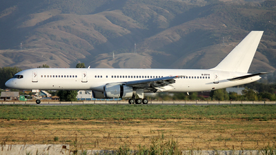 B-2818 - Boeing 757-21B - China Southern Airlines