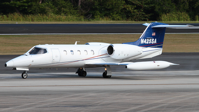 N425SA - Gates Learjet 35A - Private