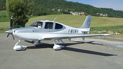 I-MOMA - Cirrus SR22 - Private