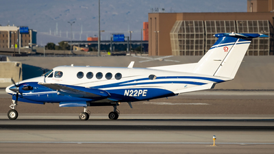 A picture of N22PE - Beech B200 Super King Air - [BB1488] - © Ricky Teteris