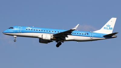 A picture of PHEZA - Embraer E190STD - KLM - © Jeroen Stroes