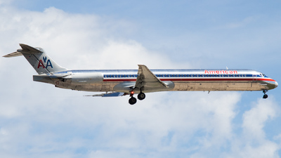 N968TW - McDonnell Douglas MD-83 - American Airlines