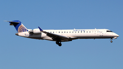 A picture of N784SK - Mitsubishi CRJ701ER - United Airlines - © toyo_69pr