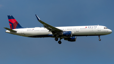 A picture of N366DX - Airbus A321211 - Delta Air Lines - © Hector Rivera-HR Planespotter
