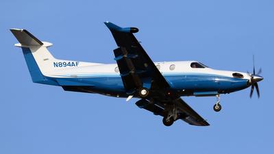 A picture of N894AF - Pilatus PC12/47E - PlaneSense - © Len Schwartz
