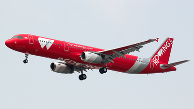 VN-A365 - Airbus A321-231 - Red Wings