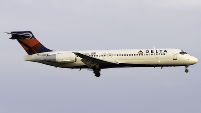 N989AT - Boeing 717-23S - Delta Air Lines