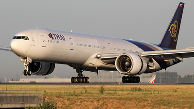 HS-TKJ - Boeing 777-35RER - Thai Airways International