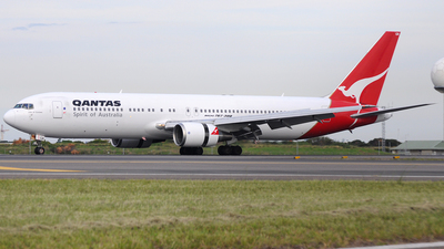 VH-OGR - Boeing 767-338(ER) - Qantas