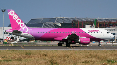 JA801P - Airbus A320-214 - Peach Aviation