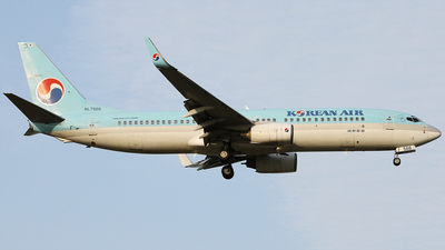 A picture of HL7566 - Boeing 7378B5 - Korean Air - © REDSOX