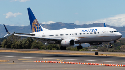 A picture of N11206 - Boeing 737824 - United Airlines - © Jussef_04