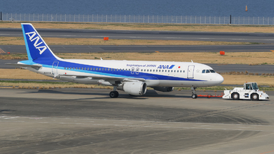 JA8304 - Airbus A320-211 - All Nippon Airways (ANA)