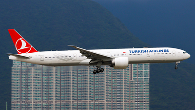 A picture of TCJJT - Boeing 7773F2(ER) - Turkish Airlines - © Chow Kin Hei - AHKGAP