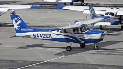 A picture of N442ER - Cessna 172S Skyhawk SP - [172S12029] - © Yi-Fan Wu