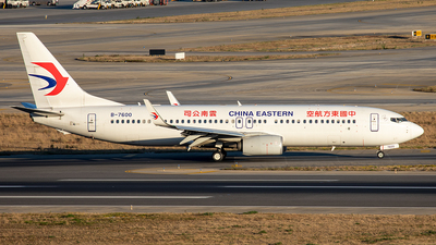 B-7600 - Boeing 737-89P - China Eastern Airlines