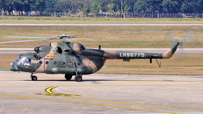 LH96775 - Mil Mi-171 C - China - Army