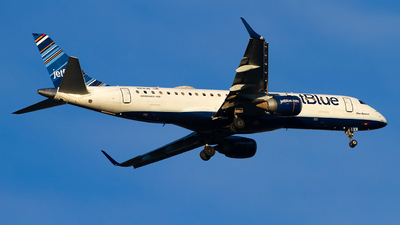 A picture of N231JB - Embraer E190AR - JetBlue Airways - © Jeremy D. Dando