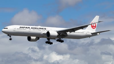 A picture of JA743J - Boeing 777346(ER) - Japan Airlines - © Luca Flores