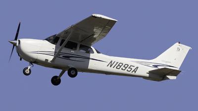 A picture of N1895A - Cessna 172S Skyhawk SP - [172S9933] - © Maik Voigt