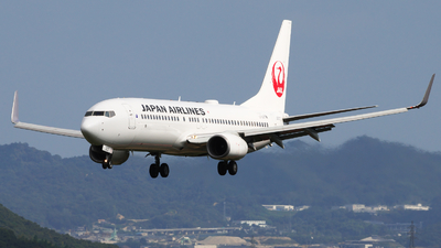 A picture of JA337J - Boeing 737846 - Japan Airlines - © kenzo ugawa