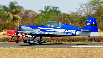 PR-XLX - Extra 330LX - Private
