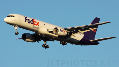 A picture of N960FD - Boeing 757236(SF) - FedEx - © Luis David Sanchez