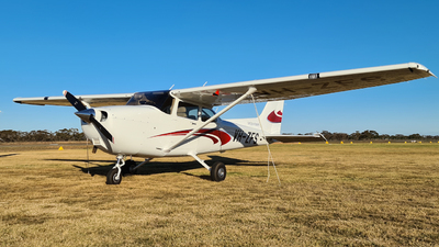 A picture of VHZFS - Cessna 172S Skyhawk SP - [172S12388] - © LIU ZF
