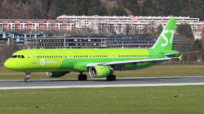 A picture of VQBQH - Airbus A321211 - S7 Airlines - © Marcel Schmidt