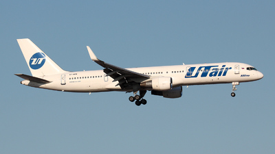 VP-BPB - Boeing 757-231 - UTair Aviation