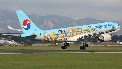 HL8212 - Airbus A330-223 - Korean Air