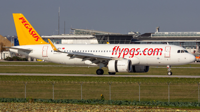 A picture of TCNCA - Airbus A320271N - Pegasus Airlines - © Holgair