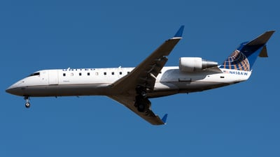 A picture of N458AW - Bombardier CRJ200LR - United Airlines - © Ben Suskind