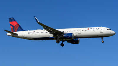 A picture of N339DN - Airbus A321211 - Delta Air Lines - © Hector Rivera-HR Planespotter