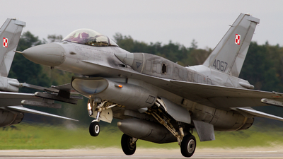 4067 - Lockheed Martin F-16C Fighting Falcon - Poland - Air Force