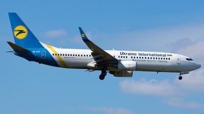 UR-PST - Boeing 737-8AS - Ukraine International Airlines