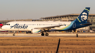 A picture of N844VA - Airbus A320214 - Alaska Airlines - © Centex Spotter