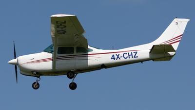 A picture of 4XCHZ - Cessna R182 Skylane RG II - [R18200161] - © yonatan alh.