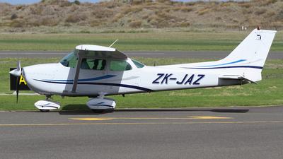 A picture of ZKJAZ - Cessna 172N Skyhawk - Air Arabia Abu Dhabi - © J. Williams