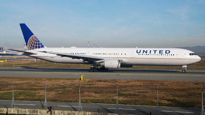 A picture of N66051 - Boeing 767424(ER) - United Airlines - © paoloz99