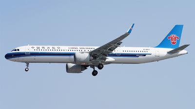 B-30E2 - Airbus A321-253NX - China Southern Airlines