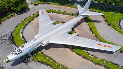 30312 - Xian H-6 - China - Air Force