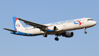 VQ-BCX - Airbus A321-211 - Ural Airlines