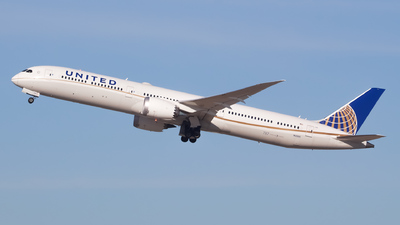 A picture of N12005 - Boeing 78710 Dreamliner - United Airlines - © Sebastian C
