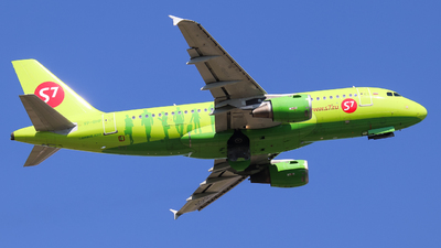 A picture of VPBHP - Airbus A319114 - S7 Airlines - © Vitaly Revyakin